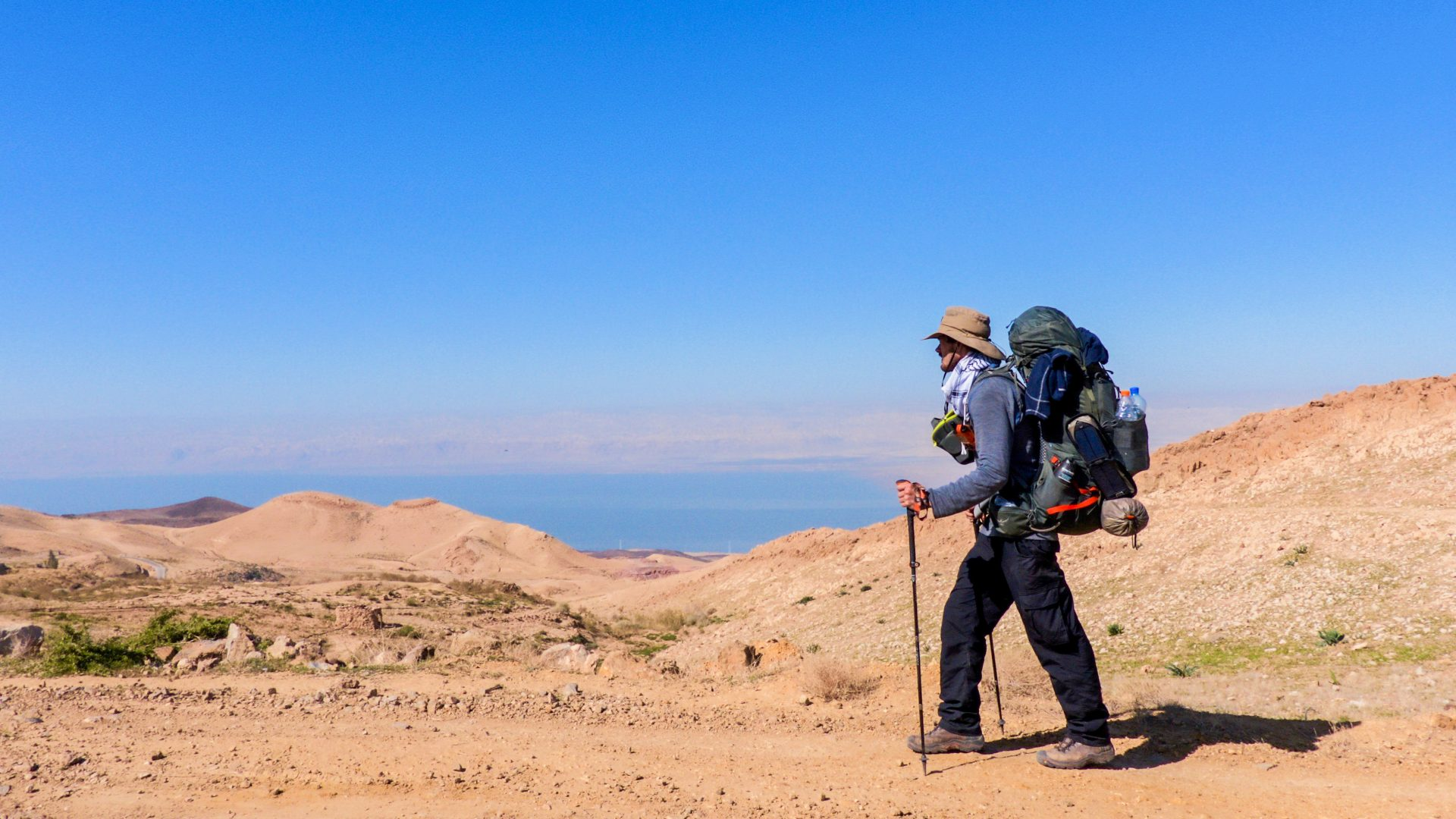Things to Carry While Traveling on Desert